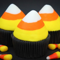 {Candy Corn Week!} Candy Corn Cupcakes