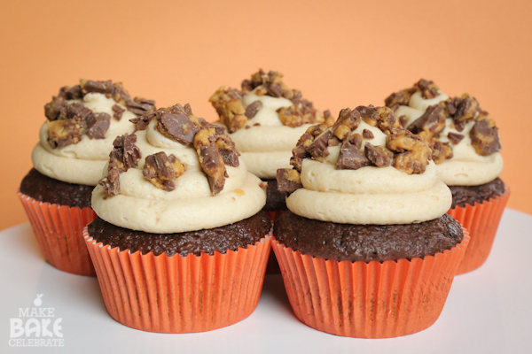 Pics Photos - Reese S Peanut Butter Cup Giant Cupcake