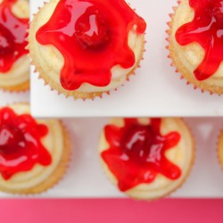 Real Seal Challenge – Cherry Cheesecake Cupcakes