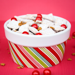 Gingerbread Puppy Chow, Blog Hop, FREE Printable, AND a Giveaway!