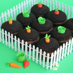 Garden-Theme Cupcakes for BHG!