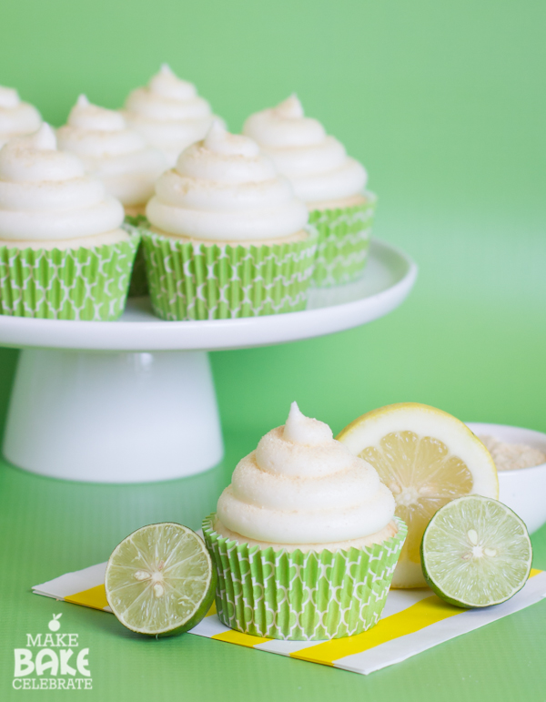 cheesecake cupcakes with sour cream topping cheesecake cupcakes with ...