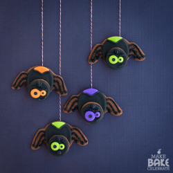 Spooky Spider Cookies & A Review Of Creature Cookies!
